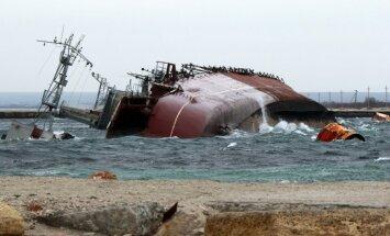 Krievijas karaspēks nogremdē vēl vienu kuģi un pilnībā bloķē Ukrainas floti Donuzlavā