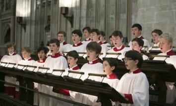 Latvijā viesosies zēnu un jauniešu koris no pasaulslavenās Ītonas koledžas