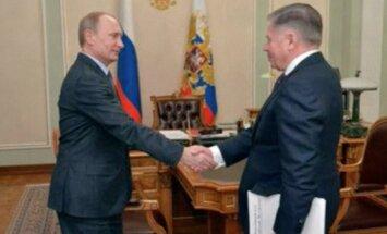 Kremlis izplata fotogrāfijas un video ar dzīvu Putinu