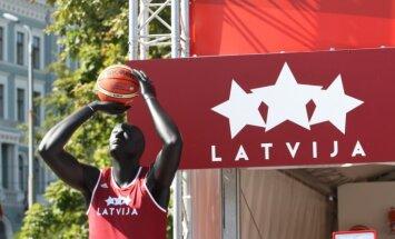 Rīgā varētu ierasties aptuveni 14 000 kaimiņvalstu basketbola fanu