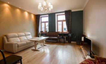Vēstures šarms: elegants dzīvoklis mājā, kur reiz dzīvoja Kārlis Ulmanis