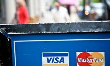 'Visa' un 'MasterCard' pārtrauc vēl divu Krievijas banku karšu apkalpošanu