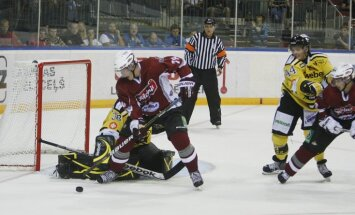 Rīgas 'Dinamo' uzvar un LDz kausā spēlēs par trešo vietu