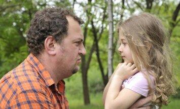 Tēvu tipi, kuru dēļ meitām neizdodas nokārtot savu personīgo dzīvi