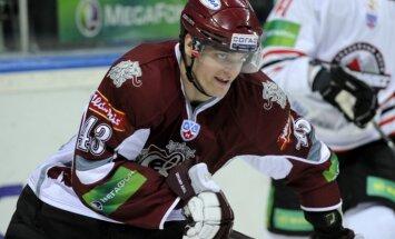 Rīgas 'Dinamo' uz Doņecku dodas 22 hokejistu sastāvā