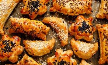 Pīrādziņi gardi smaržo, Ziemassvētki brauc! Septiņas mājīgas pīrāgu receptes