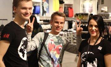 Foto: Ļaudis šturmē piekto 'H&M' veikalu Rīgā