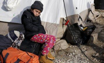 Laikraksts: Vācijā no bēgļu mītnēm pazuduši gandrīz pieci tūkstoši bērnu un pusaudžu