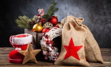 'Delfi' pēta, kas vecītim maisiņā: pašvaldību svētku paciņas bērniem un senioriem