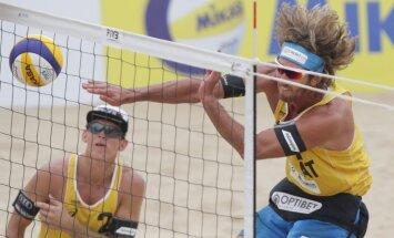 Samoilovs un Šmēdiņš cieš neveiksmi Longbīčas 'Grand Slam' turnīra pusfinālā