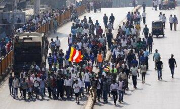 Mumbajā protestē Indijas zemākās kastas pārstāvji