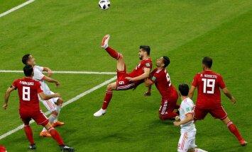 Irānas komandas pārstāvis pēc neieskaitītā 'gola' pret Spāniju nogādāts slimnīcā
