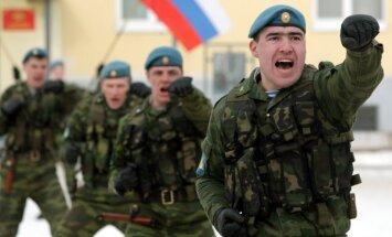 Krievijas karavīriem no rītiem liek dziedāt himnu