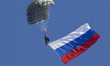 Sagrauta Ukraina, izjukusi NATO un valdības maiņa Latvijā – Putina darbības sekas prognozē Lūkass
