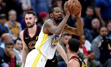 Goldensteitas 'Warriors' trešoreiz pārspēj Klīvlendas 'Cavaliers' NBA finālsērijā