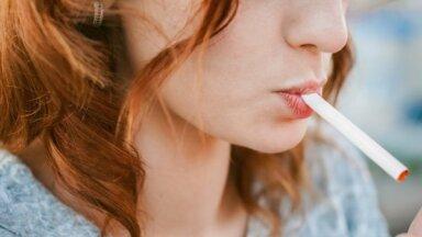 Что делать, если сосед курит в подъезде?