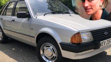 Foto: Izsolē nonācis princeses Diānas pazudušais 'Ford Escort'