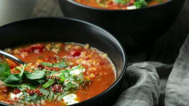 Sildošā tomātu un lēcu biezzupa bez gaļas