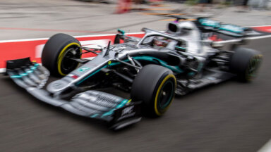 'Mercedes' piloti dominē Japānas F-1 posma treniņbraucienos