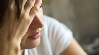 Головокружение, звон в ушах, потемнение в глазах: что вызывает обмороки и как их избежать
