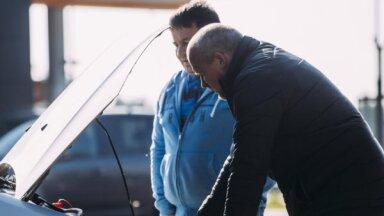 Drošas braukšanas skola rīko bezmaksas auto pārbaudes Latvijas pilsētās