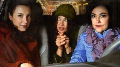 Ar melno komēdiju 'Mamma vēl smaida' kino režijā debitēs Elza Gauja