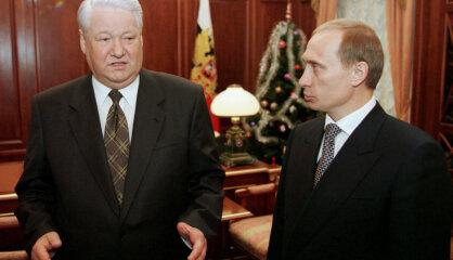 1999 год: Начал работу портал Delfi, в Риге открыт новый Дом Черноголовых, к власти приходит Путин