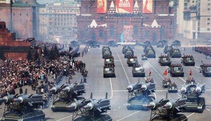 1967. gads: 'Mēness gadi' un Lielās Oktobra sociālistiskās revolūcijas un padomju valsts pastāvēšanas 50. gadadiena
