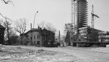 "1979 год: Телевидение, гостиница ""Латвия"", кольца Юпитера"