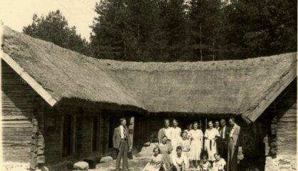 1932. gads: Bezdarbs pasaulē, Rīgā atklāj Brīvdabas muzeju, Venēcijā – kinofestivālu