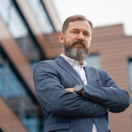 Sērfo uz medicīnas tehnoloģiju viļņa un paralēli attīsta biznesu viesmīlībā un tūrismā: intervija ar uzņēmēju Mārtiņu Silu