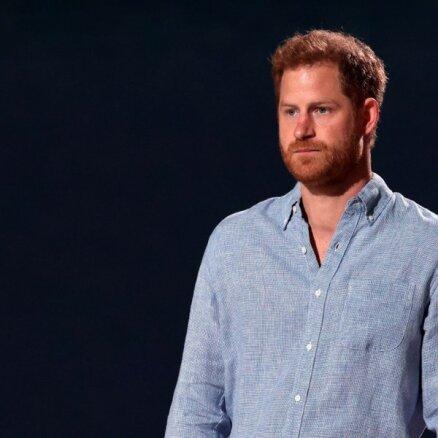 Princis Harijs televīzijā atkal kritizē savu ģimeni