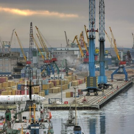 Baltkrievijas minerālmēslu kravu transports caur Lietuvu varētu apstāties decembrī