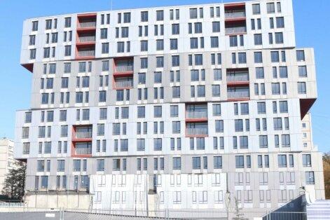 Īpašnieku nākotnes vīzija par dzīvokļu namu pie sagruvušā 'Maxima' veikala sanikno RD deputātus