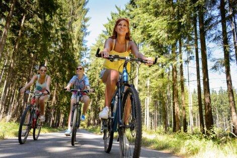 Рижская дума одобрила строительство велодорожки Вецаки-Лиласте