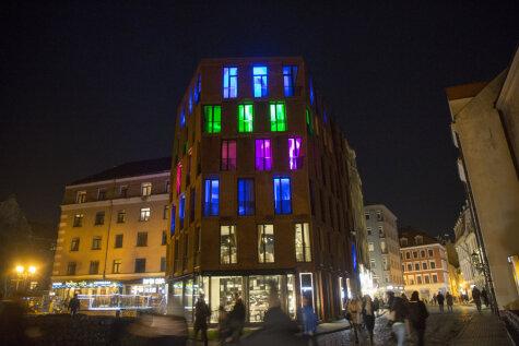 На центр Риги напал фестиваль света