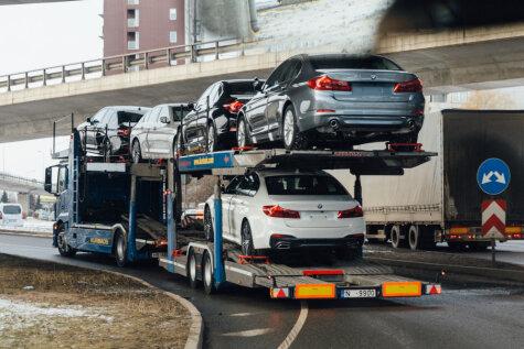 Скоро на всех фоторадарах страны. В морозную Ригу привезли первые новые BMW G30