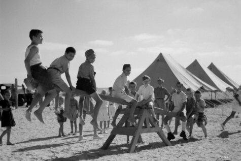Урок истории. 30 редких фото с картинами быта европейских беженцев на Ближнем Востоке