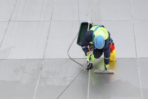 Смотри, какие нанотехнологии используют при чистке крыши
