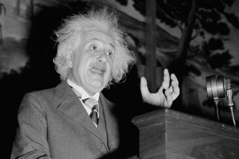 Desmit iedvesmojoši ģeniālā Alberta Einšteina citāti