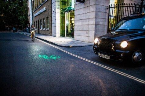 Īstenota gaiša ideja, kas nenormāli iepriecinās riteņbraucējus naktī