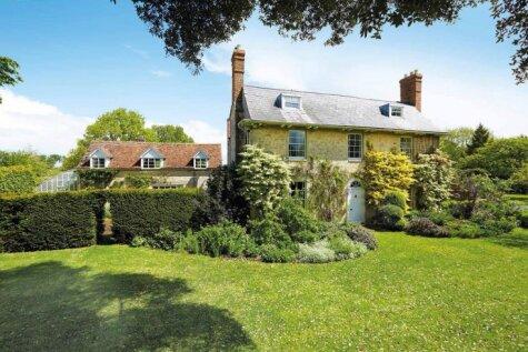 Kādā mājā dzīvo Rovans Atkinsons - slavenais 'Misters Bīns'?