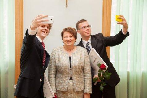Латвийские олимпиадники и их учителя получили дипломы и премии