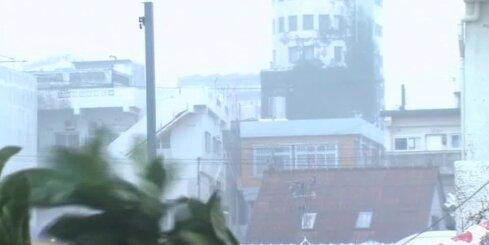 Japānu sasniedzis taifūns 'Vongfongs'; evakuēti 440 000 cilvēku