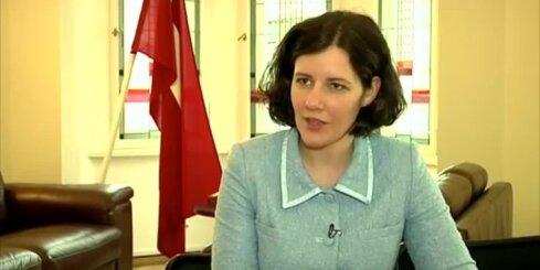 Министр возражает против стремительного роста зарплаты в Латвии