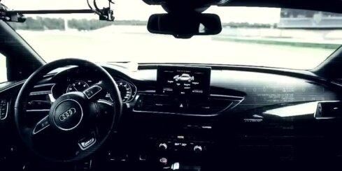 Bezpilota 'Audi RS7' traucas pa Hokenheimas trasi (pilnā versija)