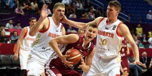 Video: Mozgova 'danks' pret Latviju iekļūst 'Eurobasket 2017' dienas TOP 5