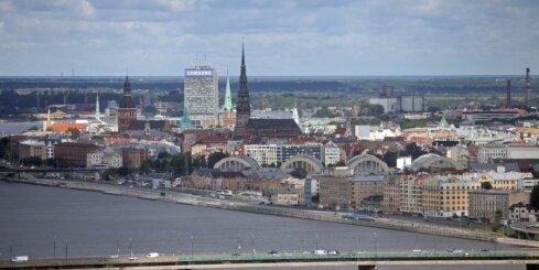 Balsojumu pašvaldību vēlēšanās Rīgā nevar uzskatīt par etnisku, uzskata vadošo partiju politiķi