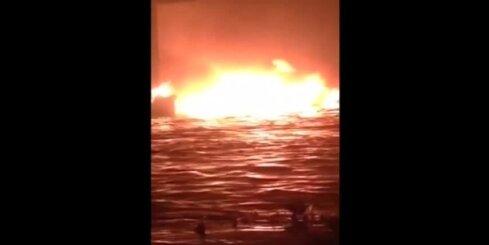 Benzīntanka ugunsgrēkā Akrā vairāk nekā 70 bojāgājušo