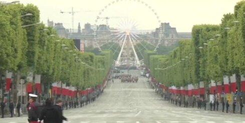 Parīzē atzīmē Otrā pasaules kara beigu 72. gadadienu